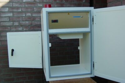 Permanently mounted temperature controlled cabinet